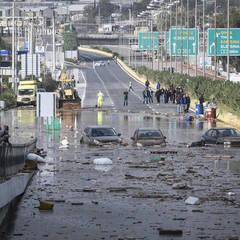 Повінь в околицях Афін: кількість загиблих зросла до 15 осіб, поранені – 17