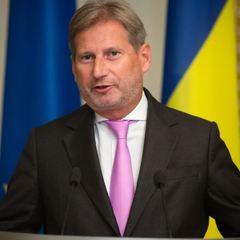 Україна недопрацьовує у боротьбі з корупцією, терпіння вичерпується, - Єврокомісар