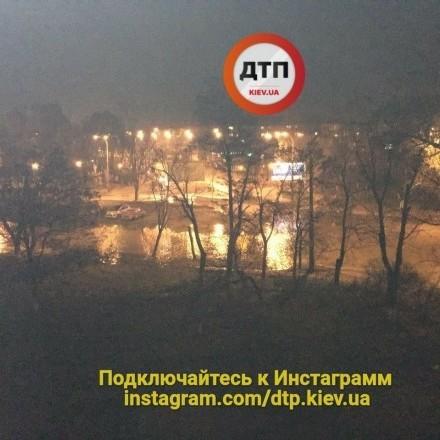 У Києві стався масштабний прорив теплотраси