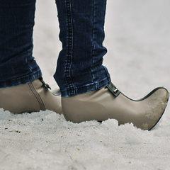 Лікар дав пораду, який тип взуття краще не носити в холодну погоду