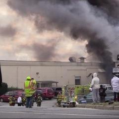 У Нью-Йорку на косметичній фабриці сталося кілька вибухів: близько 30 постраждалих (фото, відео)