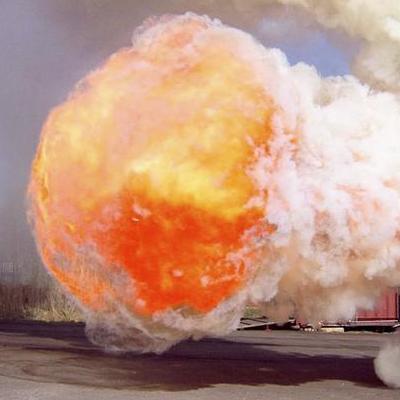 У Бельгії на металургійному заводі стався потужний вибух (відео)