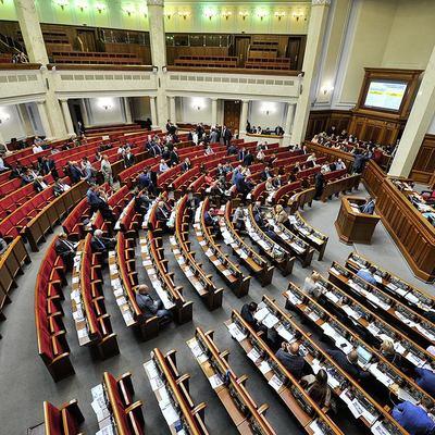 Депутати-лідери президентських рейтингів показують низьку ефективність роботи у парламенті - КВУ