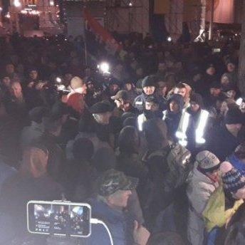 На Майдані Незалежності встановлюють палатки (фото, відео)
