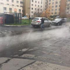У Києві одну із вулиць три години заливало кип'ятком (фото)