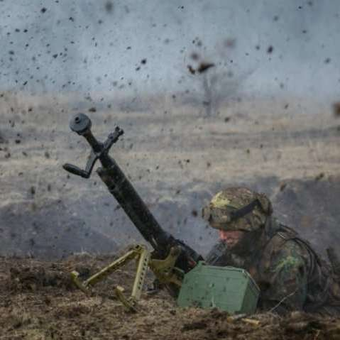 Звіт штабу АТО: російські найманці двічі за день відкривали вогонь по українських позиціях