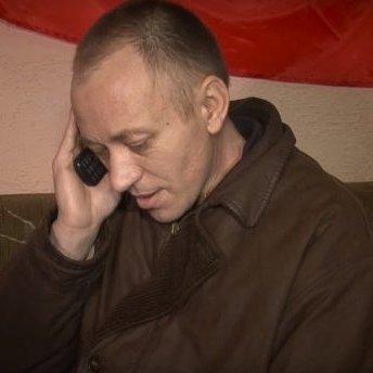 Бойовики оприлюднили відео з українськими полоненими, які розмовляють з рідними по телефону