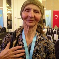 Після затримання ФСБ померла 82-річна кримська татарка Веджіє Кашка