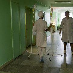 Двох бійців ЗСУ із важкими пораненнями голови доставили до лікарні (відео)