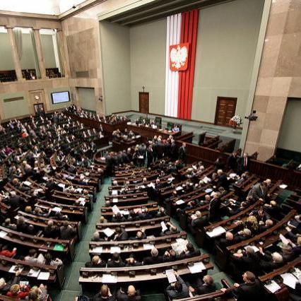 Сейм Польщі проголосував за обмеження торгівлі в неділю