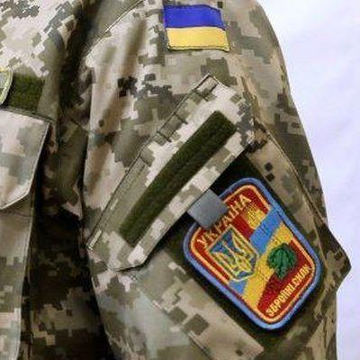 На Луганському напрямку бойовики кілька разів обстріляли оборонні укріплення сил АТО біля Новолуганського із озброєння БМП , - штаб АТО