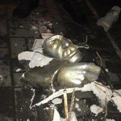 У Запоріжжі невідомі розбили останнє погруддя Сталіну