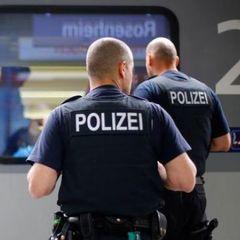 У Німеччині автомобіль в'їхав у натовп людей: є постраждалі