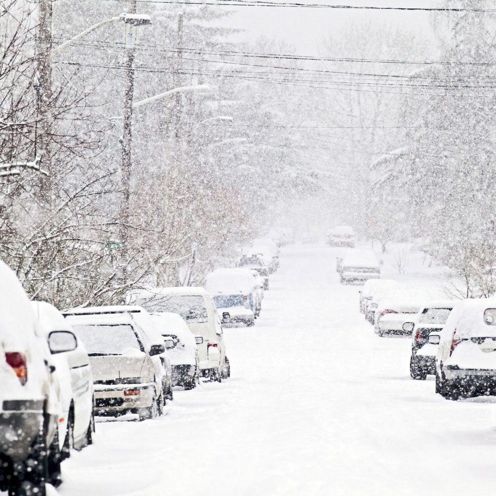В Україні сьогодні пройдуть дощі та мокрий сніг, на півдні до +11° (карта)