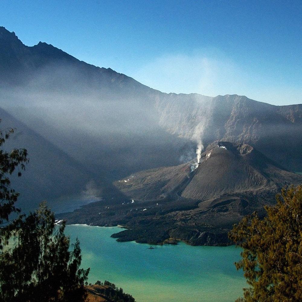 Через виверження вулкану, із Балі евакуювали 40 тис. осіб