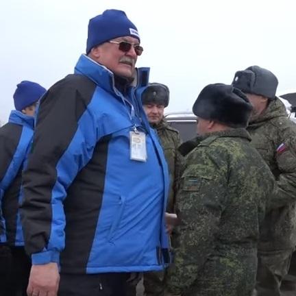 В ОБСЄ пояснили обійми й рукостискання спостерігача з бойовиком (відео)
