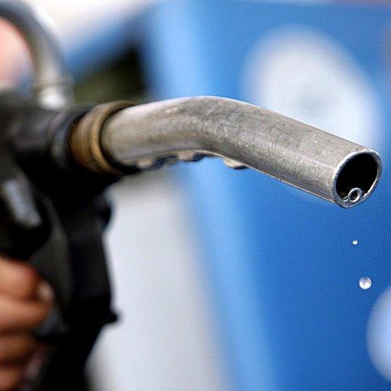 В Україні за вихідні подорожчали бензин і дизпаливо