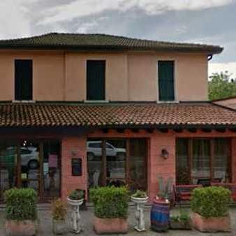 Бійка і негативні відгуки на «Tripadvisor»: в Італії батьки побили офіціанта, який попросив їх доглядати за дітьми