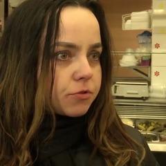 У Львові колишня чиновниця три місяці живе в торговому центрі (відео)