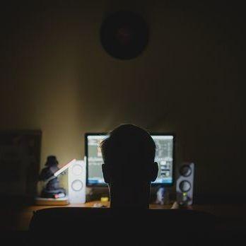 У Швеції чоловіка ув'язнили на 10 років за онлайн-зґвалтування