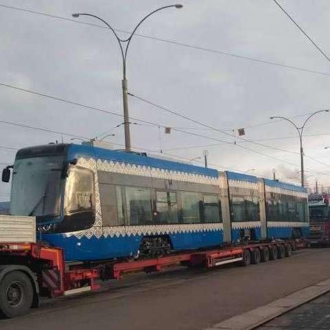 До Києва прибули нові трамваї із Польщі (фото)