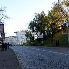 У Києві до 4 грудня обмежать рух Володимирським узвозом