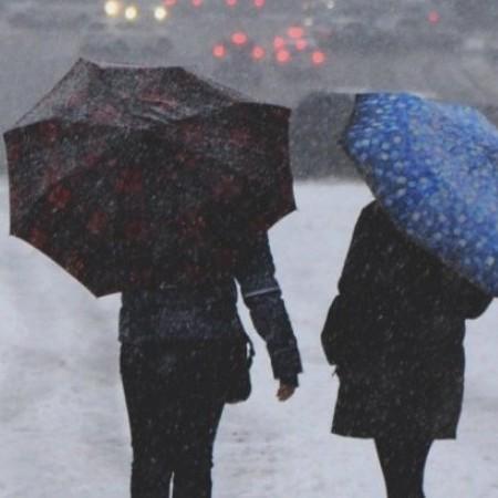 У Києві синоптики прогнозують до кінця доби мокрий сніг та ожеледицю на дорогах