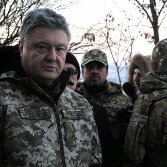 Порошенко дав гучну обіцянку військовим-контрактникам