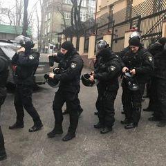 У квартирі Саакашвілі проходять обшуки, задіяний спецназ (фото)