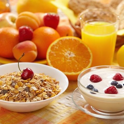 Здоровий сніданок: чим замінити каву та бутерброди