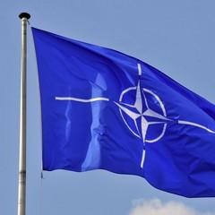 НАТО відновлює із Росією співпрацю по військових каналах