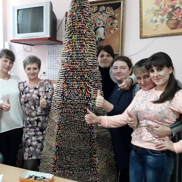 Двометрова ялинка із олівців прикрашатиме Одещину (фото)