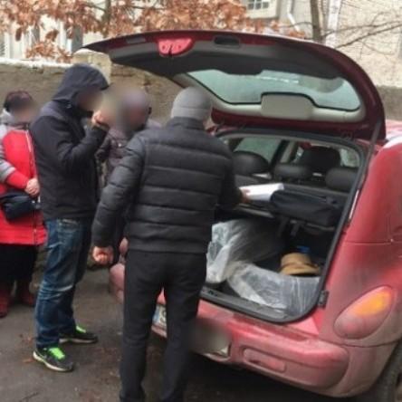 На Харківщині шахраї під виглядом акції виманювали у пенсіонерів гроші (фото)
