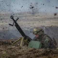 У районі Травневого, Лозового і Світлодарська бойовики застосували гранатомети і стрілецьку зброю, - штаб АТО