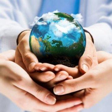 Сьогодні відзначаєм День прав людини та День благодійництва