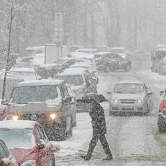 На дороги Києва вивели 134 одиниці спецтехніки для порятунку від снігопаду
