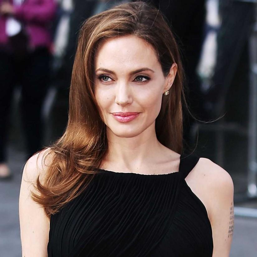 Джолі закликала НАТО захистити жінок у зонах воєнних дій в М'янмі, Україні, Сирії та Сомалі