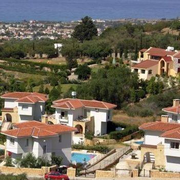Посольство Кіпру застерігає українців щодо поїздок на окуповані території острова