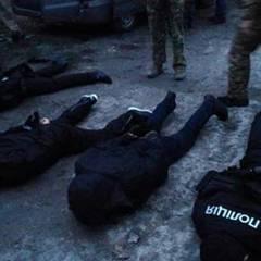 Мешканці окупованої частини Донеччини,  перевдягаючись у поліцейську форму, скоювали розбійні напади