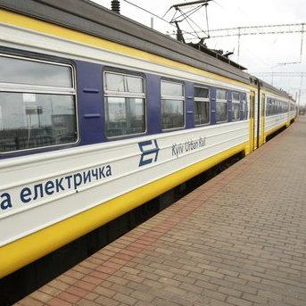 У Києві міська електричка на смерть збила чоловіка