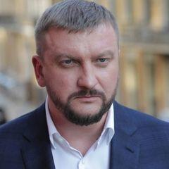 Стало відомо, скількі заробив міністр Петренко восени
