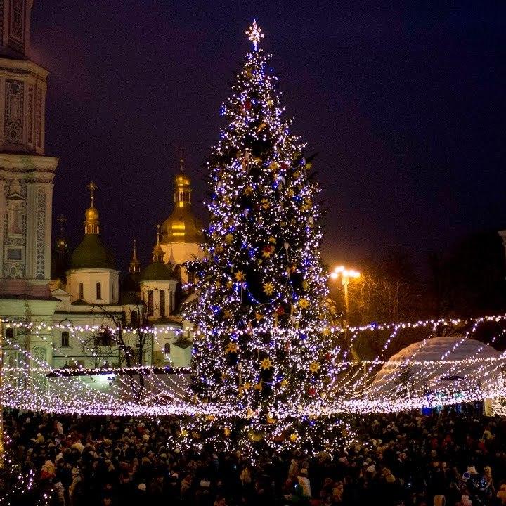 На День святого Миколая у Києві урочисто засвітять вогні на головній ялинці України
