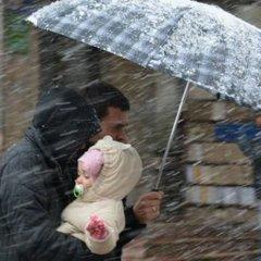 Сильний штормовий вітер та мокрий сніг накриють Україну 16 грудня