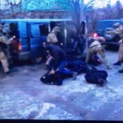 У Житомирі заарештували 9 чоловіків, які перевдягнувшись у поліцейських викрали золота на 15 млн гривень