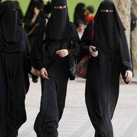 В Саудівській Аравії жінкам дозволять водити вантажівки