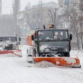 Київські комунальники перейшли в цілодобовий режим роботи