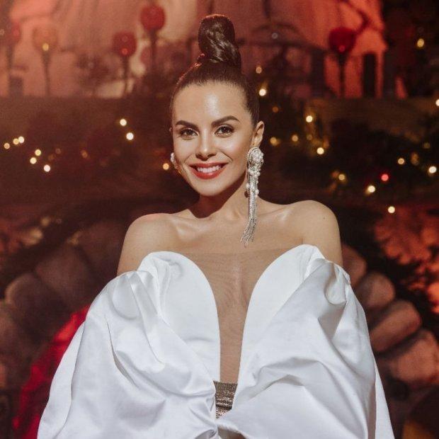 Настя Каменських презентувала різдвяну пісню, яку написав Потап (відео)