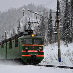 30 потягів Укрзалізниці запізнюються через снігопад