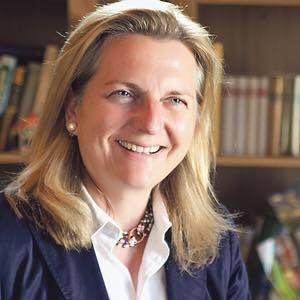 Голова МЗС Австрії від ультраправих зателефонувала в Україну в перший день роботи