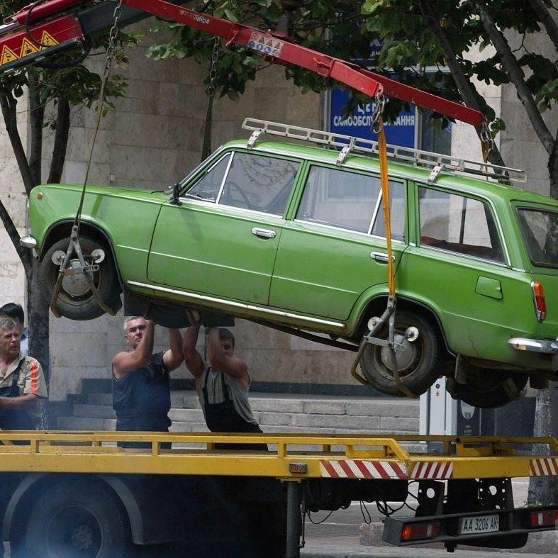 В Україні робитимуть фотозйомку порушень правил паркування та дозволять евакуацію авто
